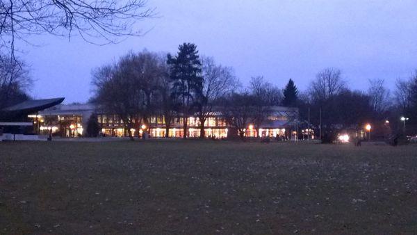 Kurhaus v Bad Krozingene v noci